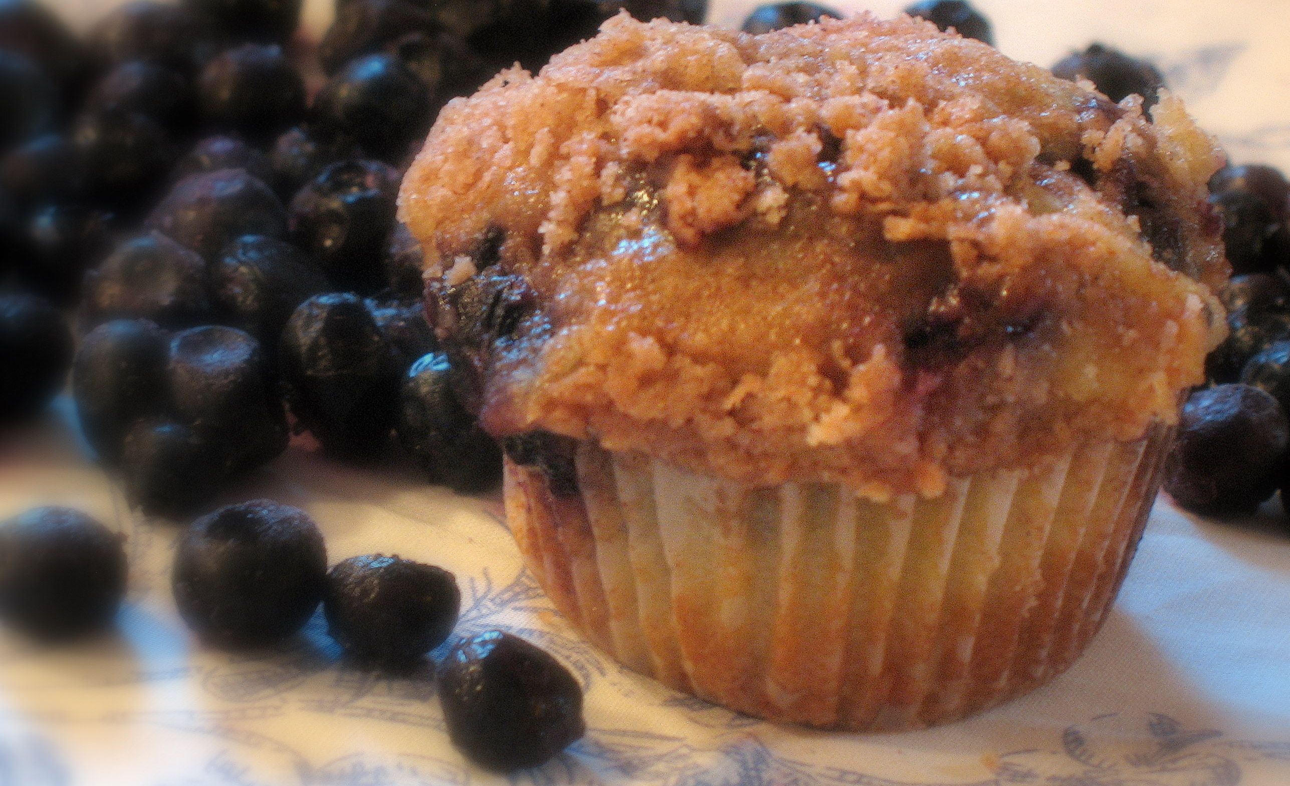 Blueberry Muffins w/ Cinnamon Crust |
